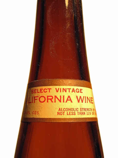 Carbone Wine 24-Oz. Riesling Bottle's Top Label